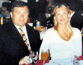 Депутат Юрий МАМОНОВ подарил Елене в знак любви вертолёт