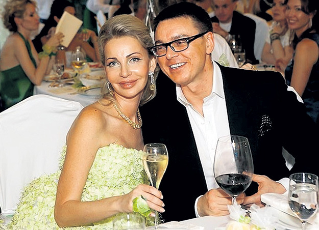 Алёна СОБОЛЕВА получила от депутата Ильдара САМИЕВА замок на берегу Женевского озера. Фото: «Tatler»