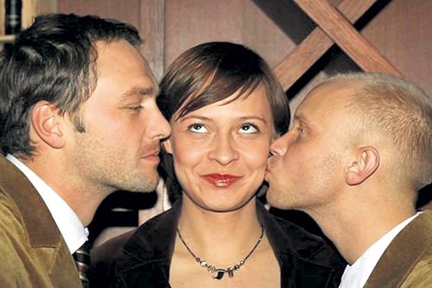 ...а до этого жил с Мадам Полиной (на фото с Виктором ВАСИЛЬЕВЫМ и Митей ХРУСТАЛЕВЫМ). Фото: Vk.com