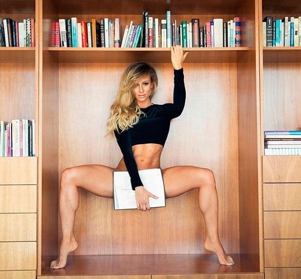 Нужно срочно зайти в библиотеку! С Paige Hathaway можно читать любые книги. instagram.com/paigehathaway