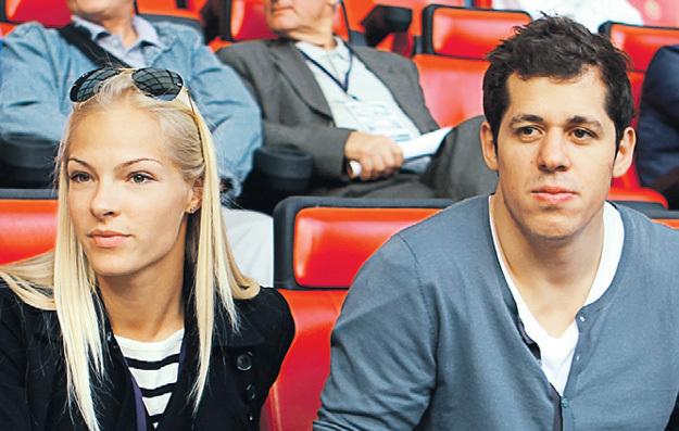 С хоккеистом МАЛКИНЫМ отношения длились чуть больше двух лет. Фото: «ИТАР-ТАСС»