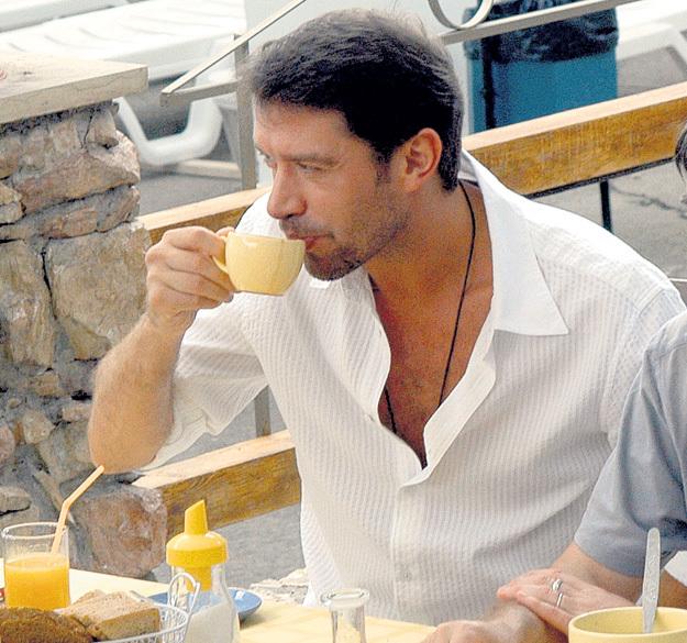Владимир МАШКОВ предпочитает традиционный «английский завтрак», включающий в себя крепкий черный чай и апельсиновый фрэш