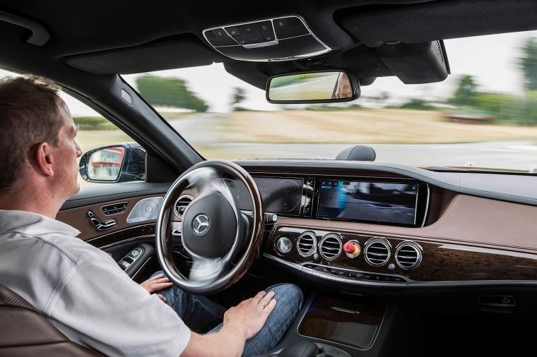 Беспилотный Mercedes-Benz. Фото: производитель