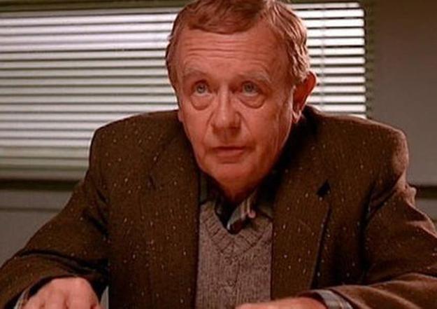 Уоррен Фрост был отцом сценариста легендарного сериала.