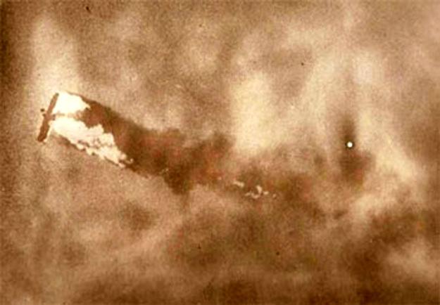 Советские зенитчики сбивают американский самолёт над Вьетнамом