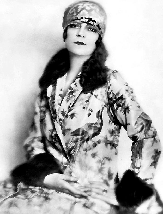 ...Аста НИЛЬСЕН, 1921 год...
