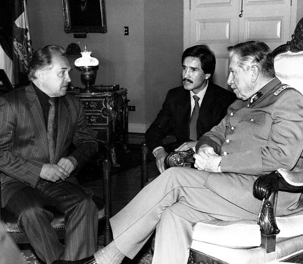 Генерал Аугусто ПИНОЧЕТ являлся одним из больших поклонников русского мыслителя и приглашал его в Чили