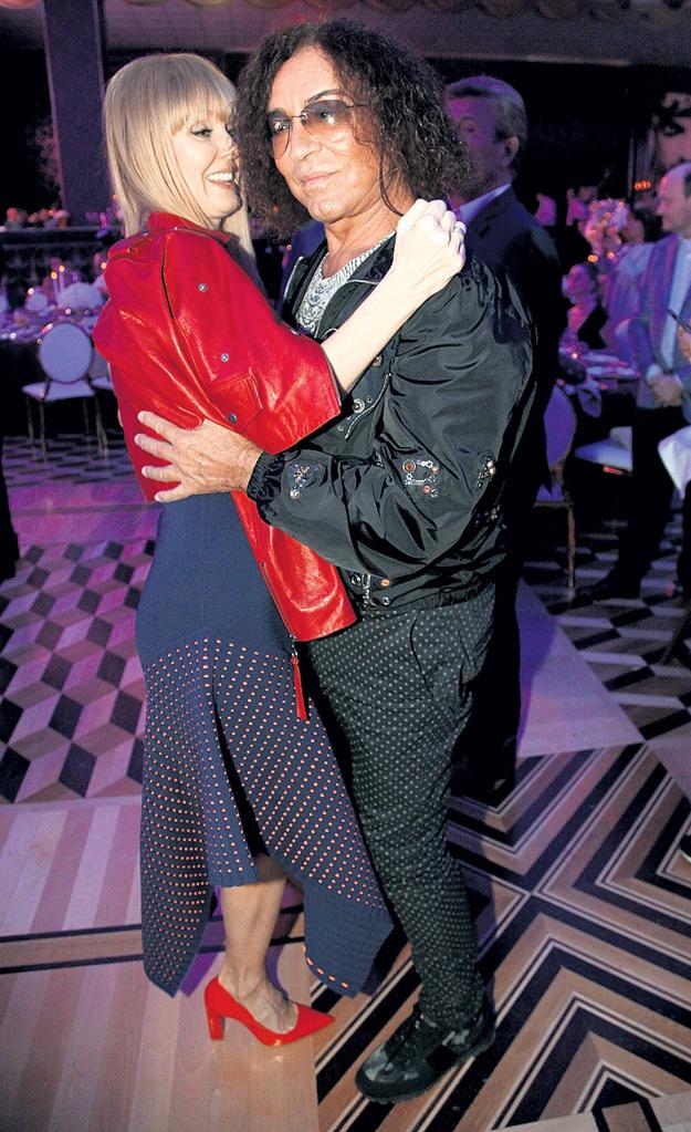 Валерий ЛЕОНТЬЕВ пригласил на танец свою тёзку - жену Иосифа ПРИГОЖИНА