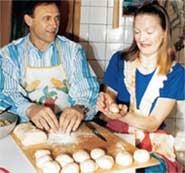 ОЛЕГ ДОЛМАТОВ С ЖЕНОЙ НАТАЛЬЕЙ: еще два года назад они обожали вместе готовить пельмени