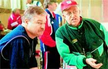 ВЛАДИМИР ПЛЮЩЕВ (слева) И БОРИС МИХАЙЛОВ: новый тренер сборной не хочет играть по - старому