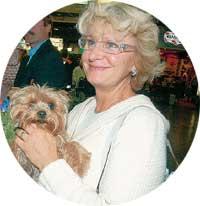 ВЕРА СЕМЕНОВНА: приехала в аэропорт с собачкой Патриком