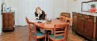 ФОРПОСТ ПЕРВОГО КАНАЛА В ПАРИЖЕ: здесь есть спальня, гостиная , детская и студия для работы