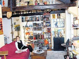 ПАРИЖСКИЕ ХОРОМЫ: актриса живет недалеко от площади Бастилии