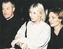 ТРИО: две бывшие пассии Макаревича - Ксения Стриж (в центре) и Анна Рождественская не держат друг на друга камня за пазухой