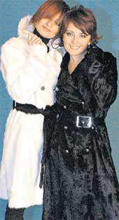 МАША И АНЖЕЛА: в модных пальто &#034от Ленской&#034