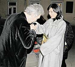 ПОЖАРСКИЙ И НЕЛЛИ: редактор отдела культуры &#034ЭГ&#034 приложился к ручке будущей польской звезды