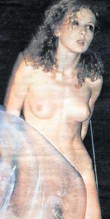 РАЗЛУЧНИЦА: Мария Саффо в спектакле &#034Куда бежал колобок&#034
