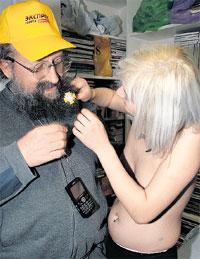 ВРУЧЕНИЕ ОРДЕНА: награда «экспресски» и бороду украсит