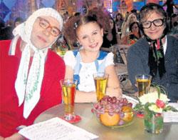ЗА РАБОТОЙ: юная телезвезда с «новыми русскими бабками» быстро нашла общий язык