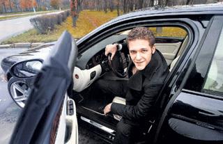 Константин КРЮКОВ на гонорары за съёмки в фильмах покупает шикарные машины, не связываясь с кредитами