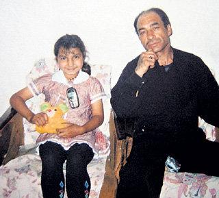 Фаат ИБРАГИМОВ со средней дочерью - 12-летней Аниной, которой он тоже искал «жениха»