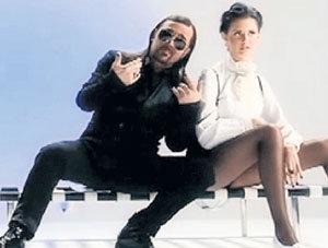 В клипе «Биксы любят баксы» ТИТОМИР снялся с РУДЬЕВОЙ
