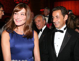 Карла Бруни давно слывет покорительницей мужских сердец: своего мужа Николя Саркози она покорила в рекордно короткие сроки. Фото: Daily Mail