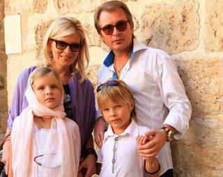 Александр МАЛИНИН с супругой Эммой, сыном Фролом и дочкой Устиньей