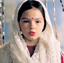 Героиня Кати – Дина обожает индийские танцы