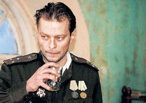 Анатолий КОТ в картине «Еще о войне» (2004 г.). Слава пришла к актеру через несколько лет после сериалов «Солдаты» и «Маргоша»