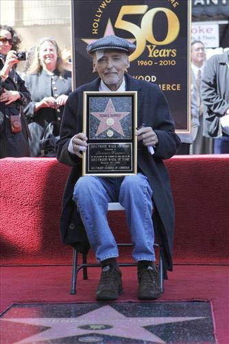 Недавно на голливудской аллее заложили именную звезду Хоппера