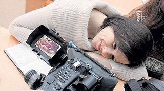Для 24-летней Наташи ТЕРЕШКОВОЙ роль девятиклассницы Шипиловой стала первой большой работой в кино
