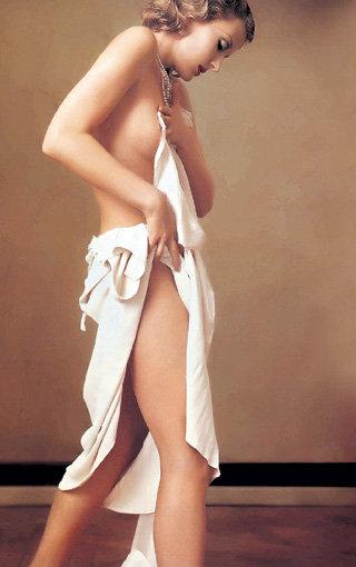 Нежное тело кинозвезды соблазняет как мужчин, так и женщин (фото «Playboy»)