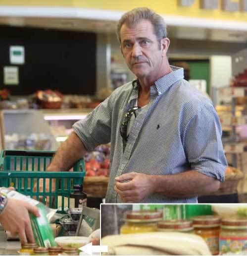 Совсем недавно папарацци застукали Мела покупающим детское питание в супермаркете. Тогда все решили, что между Гибсоном и Григорьевой наступило потепление.