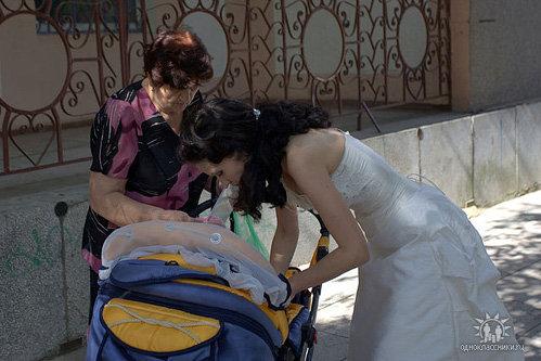 ПОПОВА даже на свадьбе в первую очередь думала о комфорте новорождённого сынишки