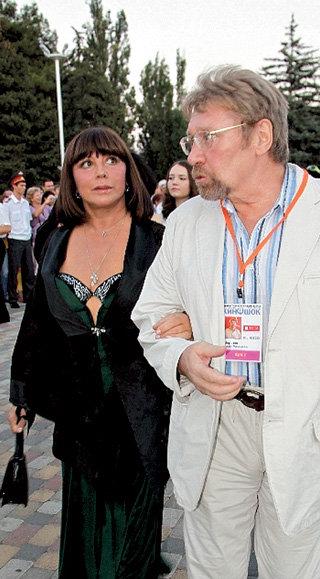 Наталья Владимировна и Семён Михайлович вспоминали, как 40 лет назад изображали горе-любовников в «Семи невестах ефрейтора Збруева»