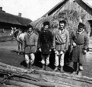 До 1917 года благодаря труду этих сиволапых мужиков баре ездили кутить в Париж. У нынешних в моде Лондон