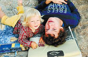 Иван МАМОНОВ с сыном Мишей - фото trud.ru