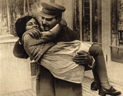 Иосиф Сталин с дочкой Светланой (1935 год). Фото: ru.wikipedia.org