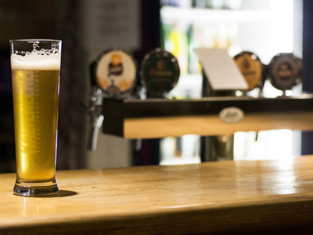 «Полторашки» уйдут в прошедшее. Новые правила продажи пива