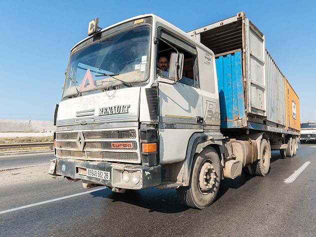 Румыны украли iPhone наполмиллиона евро измчащегося фургона