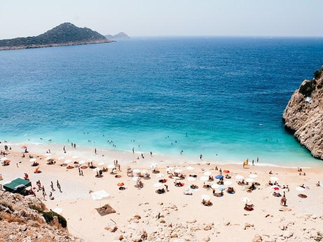 Русский  турист неожиданно  скончался  впятизвездочном отеле Турции
