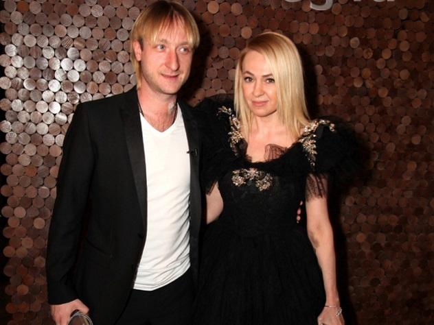 Яна Рудковская навенчание выбрала одеяние за7 млн руб.