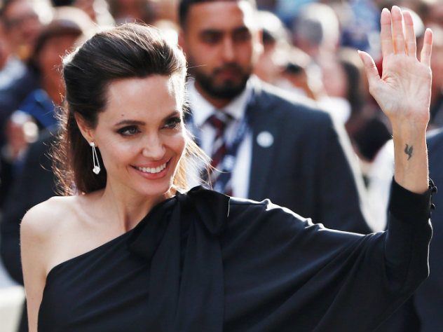 Анжелина Джоли стала приманкой для преступника изУганды