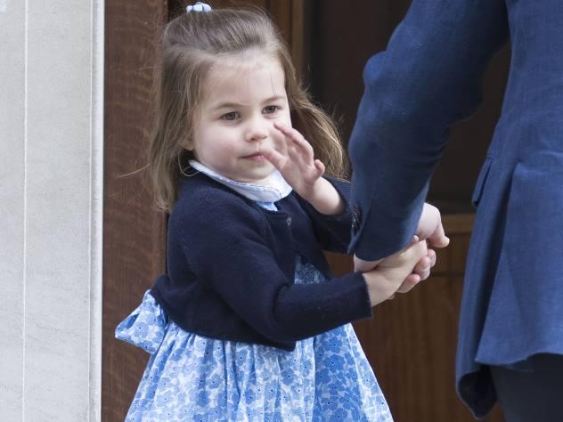 Принцессу Шарлотту сравнили с Елизаветой II