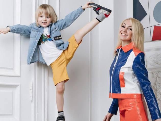 «Какая двуличность!»: Рудковскую обругали за снимок с сыном