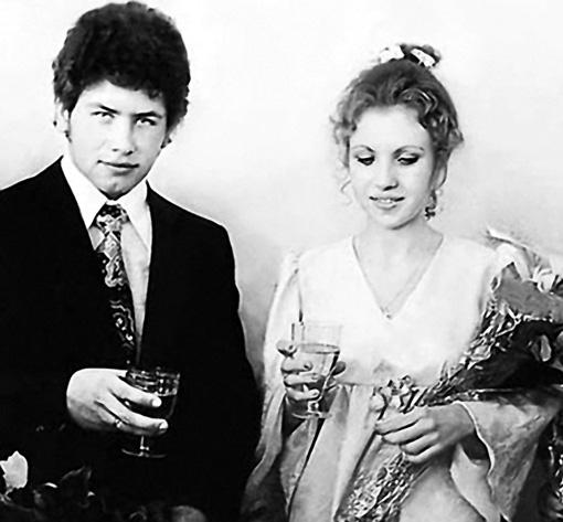 Женясь на Вале, Коля Расторгуев обещал, что их брак на всю жизнь
