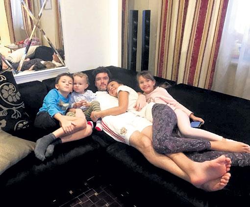 Через год дружная семья Жирковых переедет в новый дом
