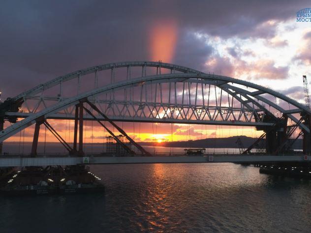 Россиянам предложили отказаться от Google из-за Крымского моста