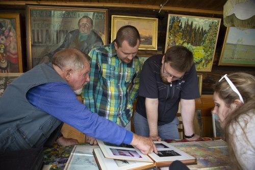 Бывший артист Георгий Шапошников принимает у себя дома участников проекта «Жить вместе»